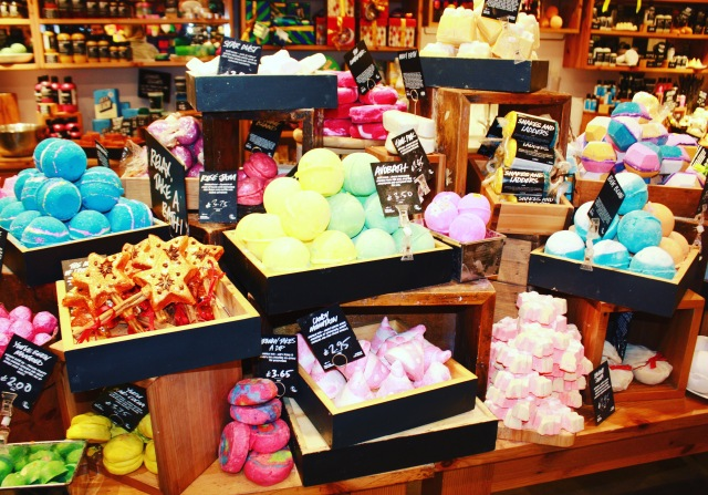 Bathbombs - Lush Sheffield