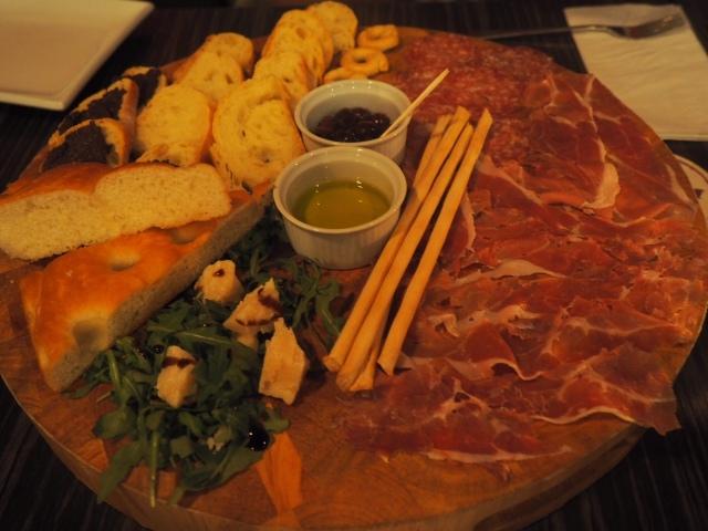 Veeno-York-Food